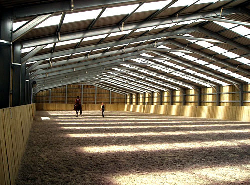 Steel buildings barns and steel fabrication surrey and for Metal frame barn